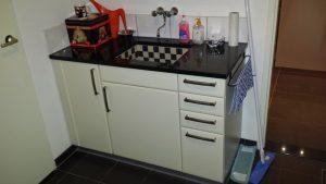 bijkeuken keukenblok geplaatst